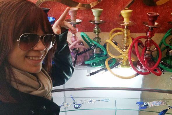 Me encanta cómo se ven estas pipas árabes y aquí hay de varios colores…...