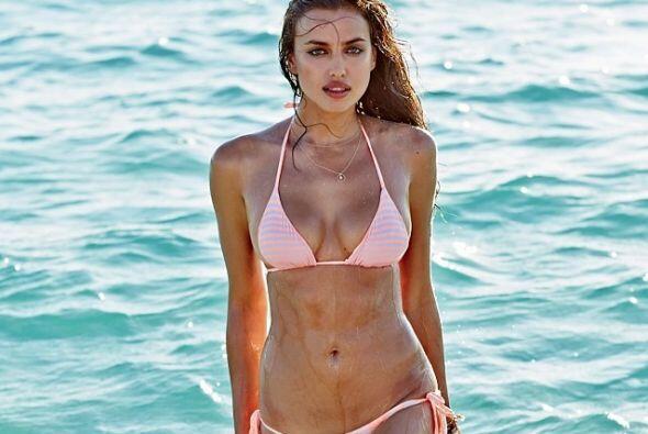 En la cuenta de Twitter de la Top Model, la bella hizo 'unfollow' a Cris...