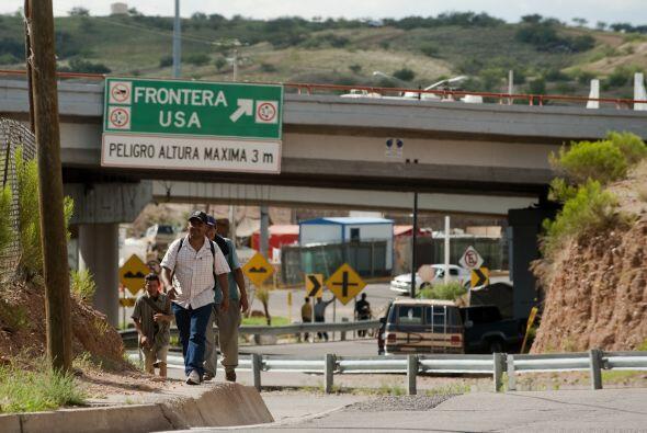 Sus partidarios dicen que la nueva ley disuadirá a los inmigrantes ilega...