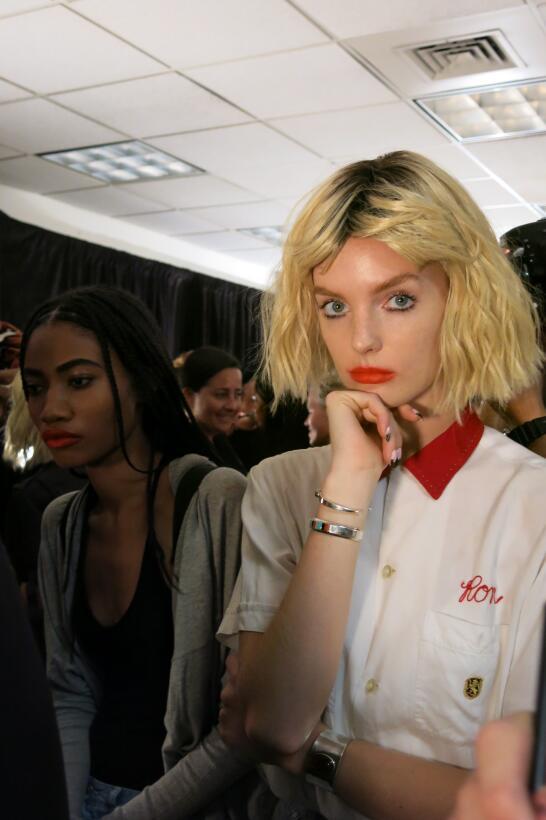 Las pelucas y el maquillaje del desfile de Georgine en NYFW IMG_4249.jpg