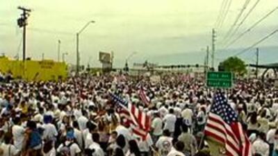 Manifestantes marchan para obtener derechos para los indocumentados