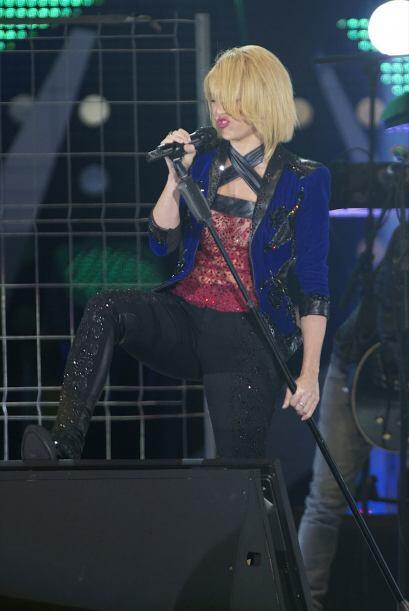 Shakira interpretó los temas 'Loca' y 'Devoción' en el Pal...