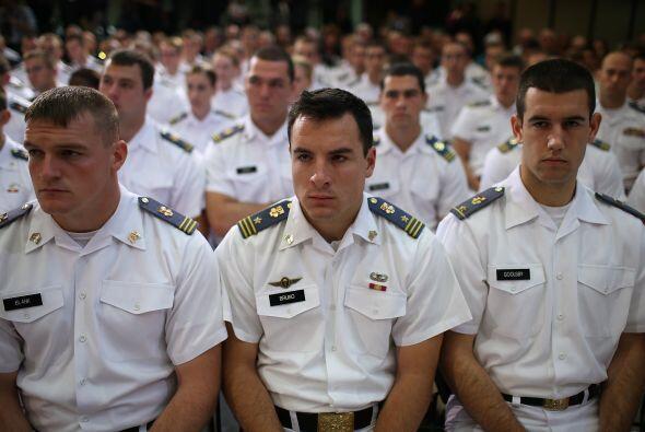 10 - Virginia Military Institute   Diferencia de salario en 20 años, com...