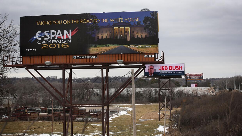 Vallas con propaganda política en Des Moines, Iowa