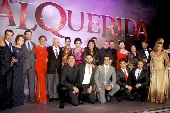 Todo el elenco de la telenovela se reunió en la presentación.