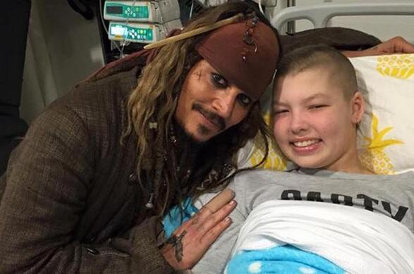 Johnny Depp en hospital infantil