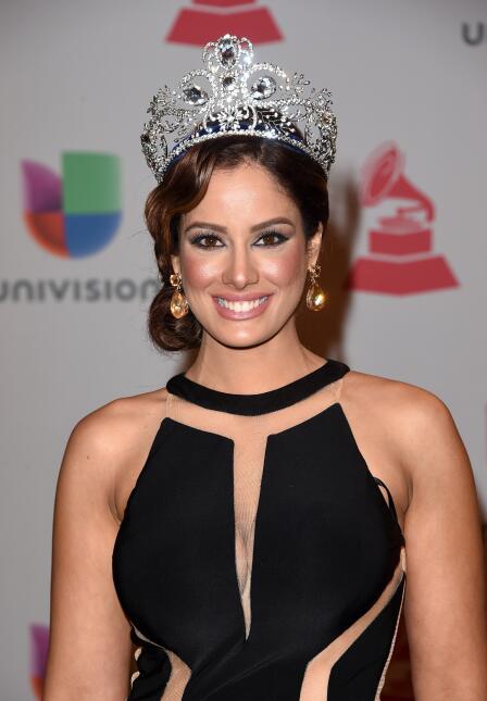 Reinas que han portado la corona de Nuestra Belleza Latina - Página 2 ?url=https%3A%2F%2Fcdn4.uvnimg.com%2F45%2F42%2F5d0766e346e1b79411f6c0eca212%2Fgettyimages-459323588