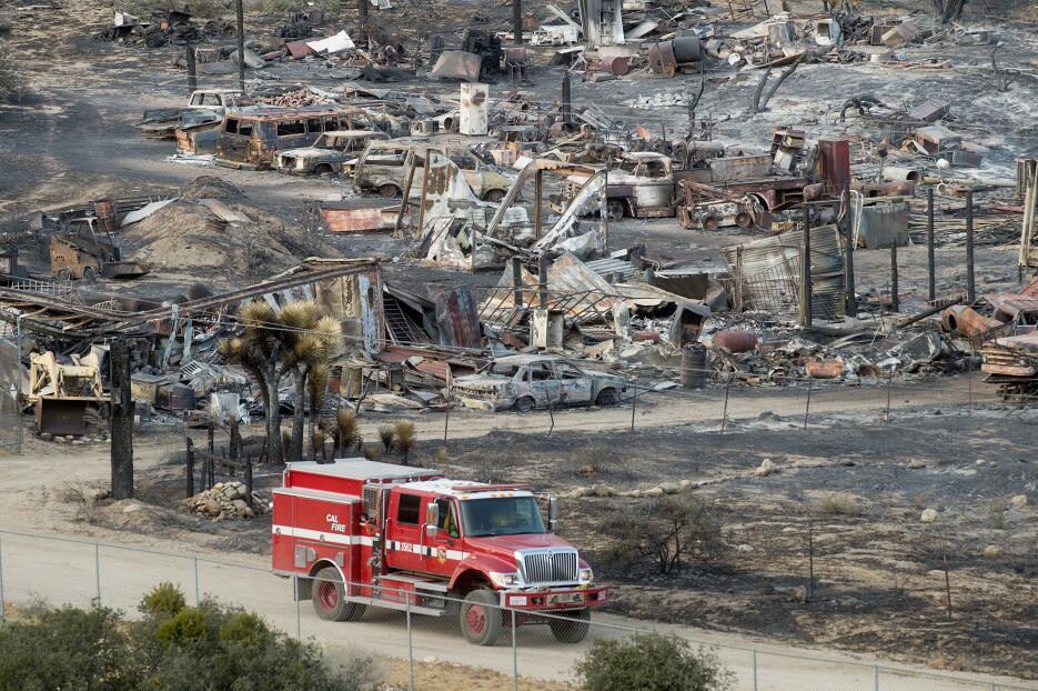 Más de 105 viviendas han sido consumidas por las llamas.