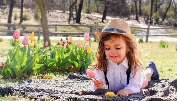 Jabez Oates, de 4 años de edad, fue matriculado en el distrito escolar d...