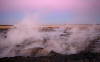La zona de Salton Sea también registró una serie de temblores en 2001 y...