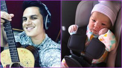 Régulo Caro muestra orgulloso las primeras imágenes de su hija recién na...