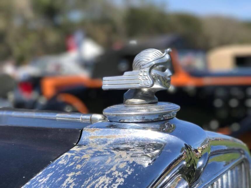 Los ornamentos de capó más espectaculares de la exhibición de autos clás...