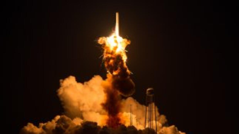 Una nave espacial privada de la NASA sin tripulantes explotó poco despué...