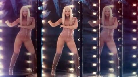 De rubio y resaltando su figura, Shakira en el nuevo video 'Comme mo...