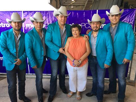La familia de Univision McAllen en Fiestas Patrias 2016 IMG_0570.JPG