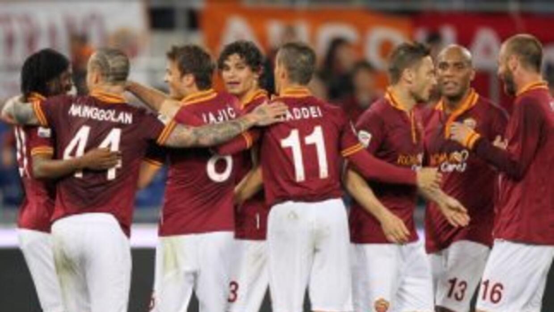 Roma sigue en la lucha por el título del Calcio.