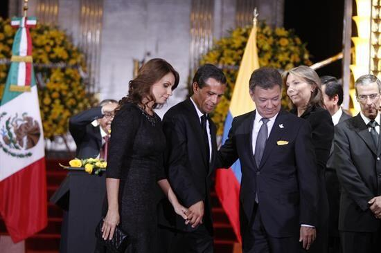 Peña Nieto también fue acompañado por su esposa Angélica Rivera y Juan M...