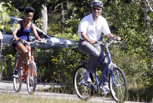 La familia Obama culmina el domingo sus vacaciones de 10 días, cuando pa...