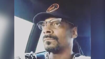 Rapper Snoop Dogg listens to Mexican corrido ''Da Mas O Da Menos' by El...