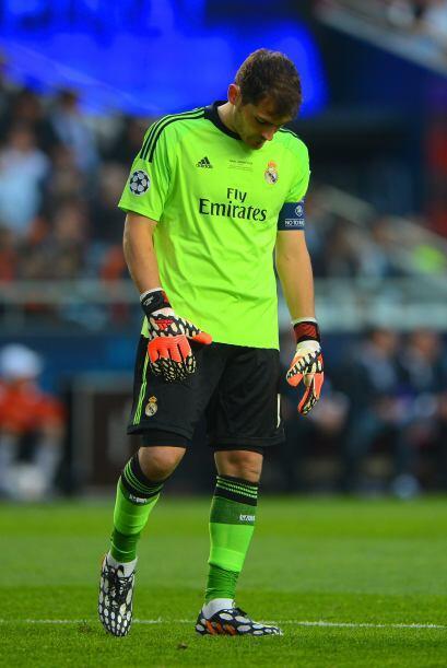 Y el rostro de la vergüenza de Iker Casillas al no poder resolver esa ju...