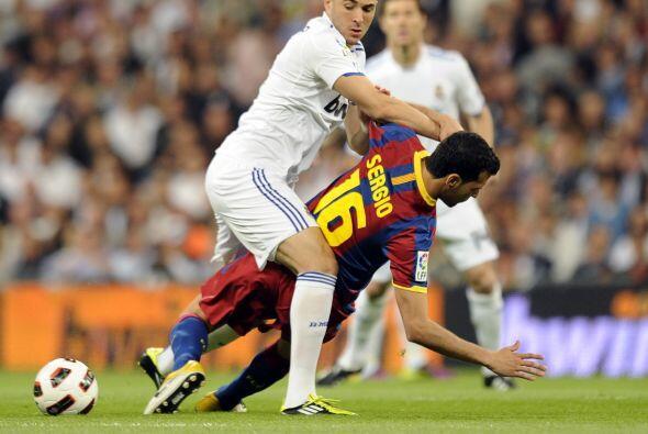 Las primeras oportunidades del Real Madrid vinieron de los pies de Benze...
