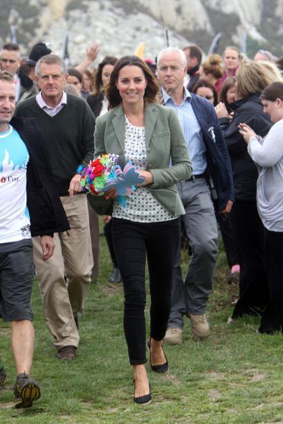 Kate Middleton, sabe combinar perfectamente la ropa para un día casual.