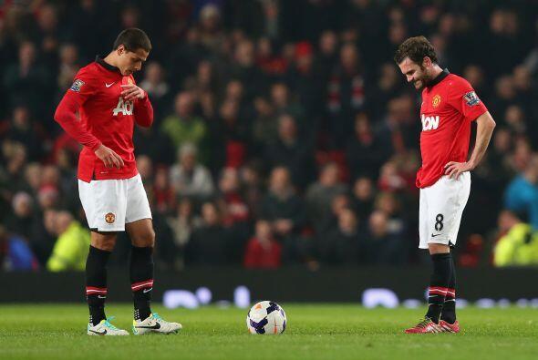 Manchester United languidece en el octavo puesto de la Premier y los pro...