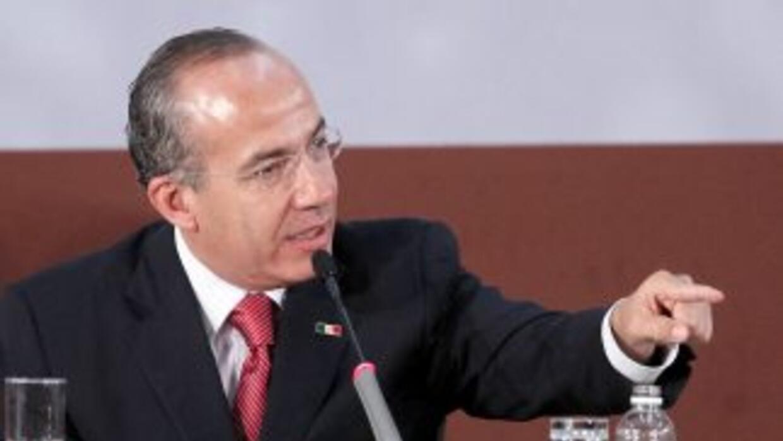 El presidente mexicano, Felipe Calderón, pidió a los medios autorregular...