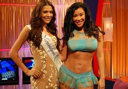 Miss Nicaragua 2009 posó junto a Claudia López del concurso el Bikini Má...
