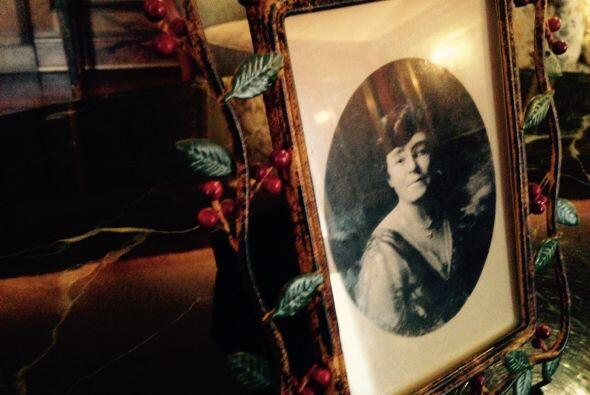 Luego de la muerte de William Wrigley Jr., su viuda  Ada, pasó ma...