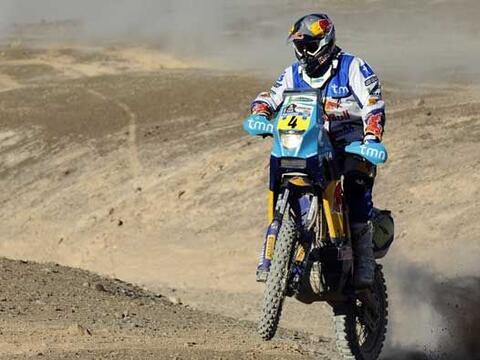 Si es difícil cruzar el desierto en camioneta, en moto es todav&i...