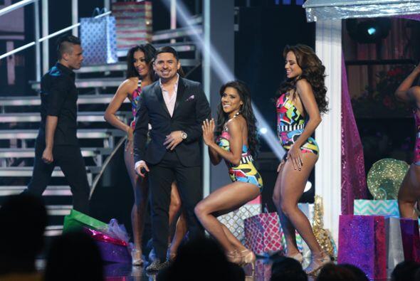 Taco de ojo para Larry Hernández. Las chicas de Nuestra Belleza Latina l...