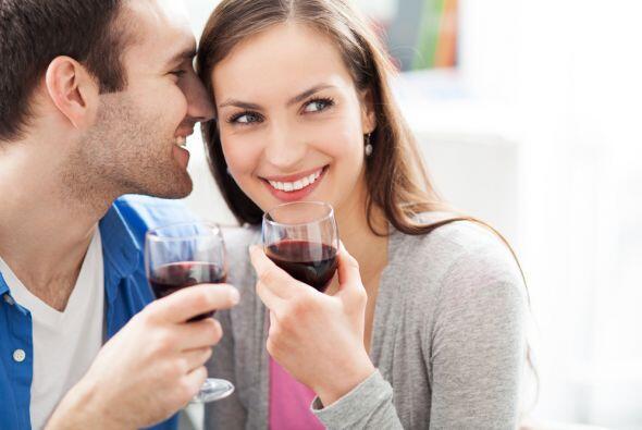 Son mejor estos alimentos que tomar una copa de vino, pues de acuerdo al...