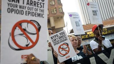 Manifestación en Nueva York pidiendo un cambio en la asignación de recur...