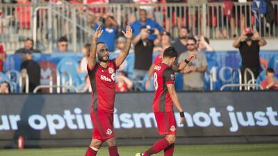 El español Víctor Vázquez aportó en la goleada de Toronto a Portland USA...