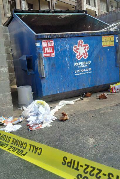 Encuentran a bebito recién nacido en un basurero