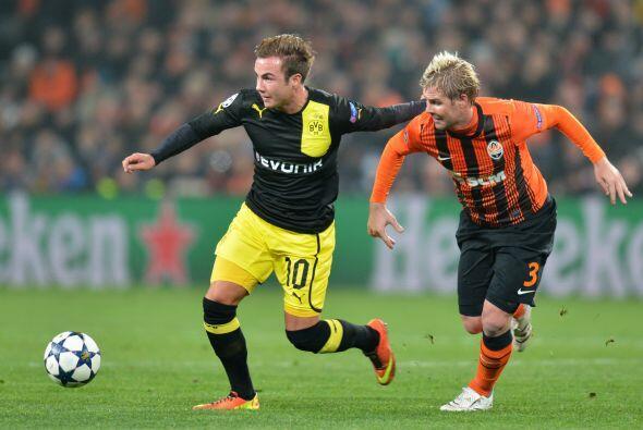 El Borussia tiene un pie en los cuartos de final tras el empate a dos qu...