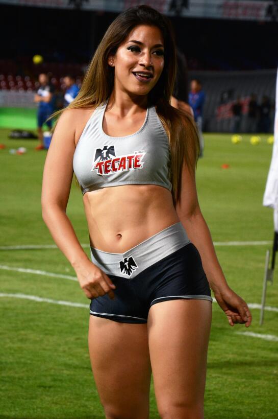 La belleza de la Liga MX presente en la Jornada 10 20170411_2839.jpg