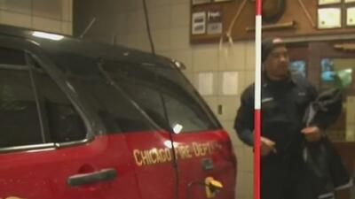 Bomberos ayudan al nacimiento de un bebé en un automóvil
