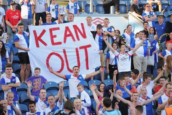 Por su parte, los hinchas del Blackburn Rovers pidieron de su manager St...