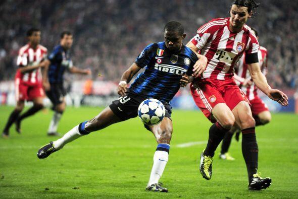 Para su fortuna, apenas al minuto 3 el camerunès Samuel Eto´o convirtió...