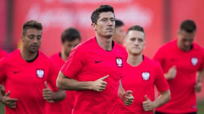 De Polonia llegó un avión cargado de… goles: Lewandowski y su selección arribaron a Rusia