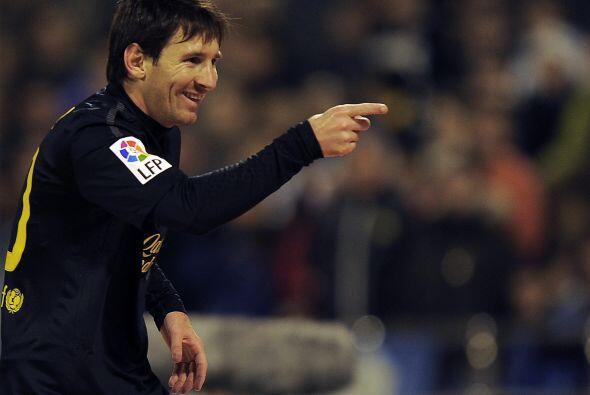 'La Pulga' enfrentó a los dos centrales del Zaragoza, sacó un potente re...