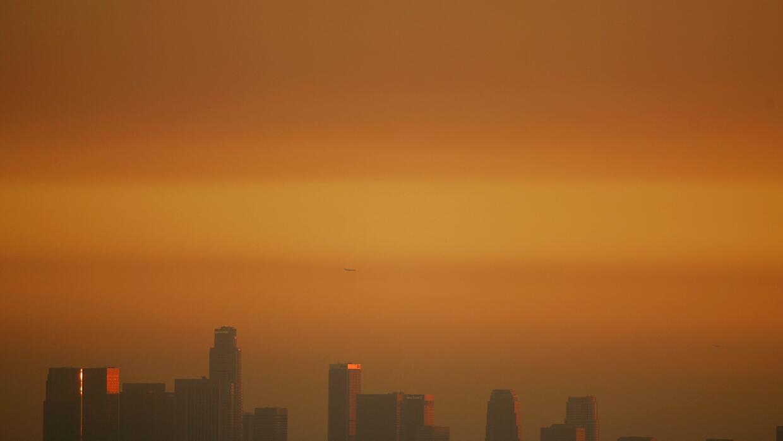 Vecindarios de hispanos presentan los índices de aire más tóxicos de Est...