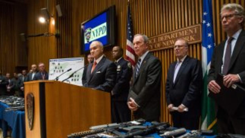 Entre las armas confiscadas figuran una ametralladora y varios fusiles d...