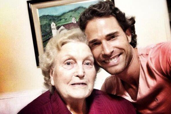 Hace poco conocimos a su abuelita a quien fue a visitar hasta su natal A...