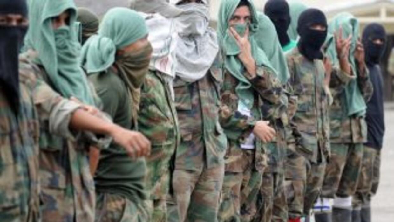 """Los rebeldes del EPP """"recibieron instrucciones de las FARC"""", indicó el e..."""