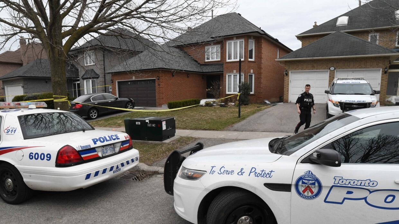 Policía de Toronto en la casa de Alek Minassian, sospechoso del a...