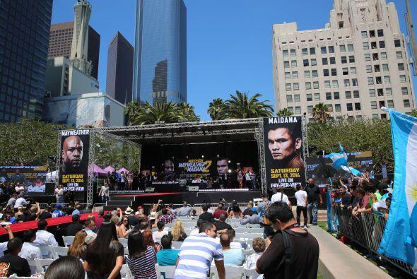Los mexicanos y argentinos se dieron cita para apoyar a Maidana.