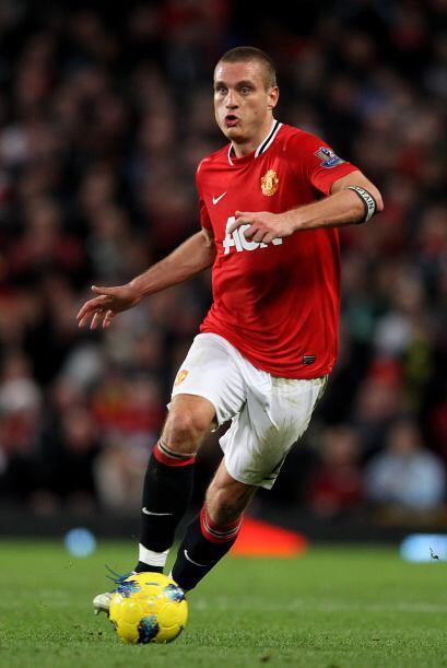 Como central aparece el serbio Nemanja Vidic, del Manchester United.